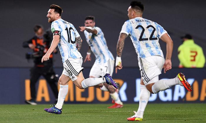 Відбір на ЧС: Аргентина розгромила Уругвай, нічия Бразилії і Колумбії та інші матчі
