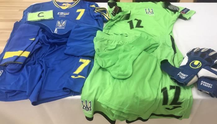 Украина сыграет против Финляндии в синей форме. Финны будут в белом